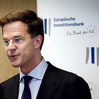 Nederland, Amsterdam , 15 mei 2014. <br /> Minister-president Rutte opende donderdag 15 mei de Nederlandse vestiging van de Europese Investeringsbank (EIB) in Amsterdam.De EIB is het financieringsinstituut van de Europese Unie.<br /> De 28 lidstaten zijn aandeelhouder. De bank is opgericht in 1958 bij het Verdrag van Rome en heeft als doel projecten te financieren die zijn gericht op de versterking van de Europese economie.<br /> Prime Minister Rutte opened Thursday, May 15th, the Dutch branch of the European Investment Bank (EIB) in Amsterdam.<br /> The EIB is the financing institution of the European Union.