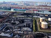Nederland, Zuid-Holland, Rotterdam, 14-09-2019; Eerste Maasvlakte (MV2), met aan de Mississippihaven de LNG-installatie van de Gasunie (de zgn.Peakshaver). In de achtergrond de ECT terminal, Amazonehaven.<br /> Second Maasvlakte (MV2), with the Gasunie LNG installation at the Mississippi harbor (the so-called Peakshaver). In the background the ECT terminal, Amazonehaven.<br /> <br /> luchtfoto (toeslag op standard tarieven);<br /> aerial photo (additional fee required);<br /> copyright foto/photo Siebe Swart