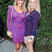 NLD/Amsterdam/20110825 - Uitreiking Jackie's Best Dressed List 2011, Lieke van Lexmond en zus Jetteke