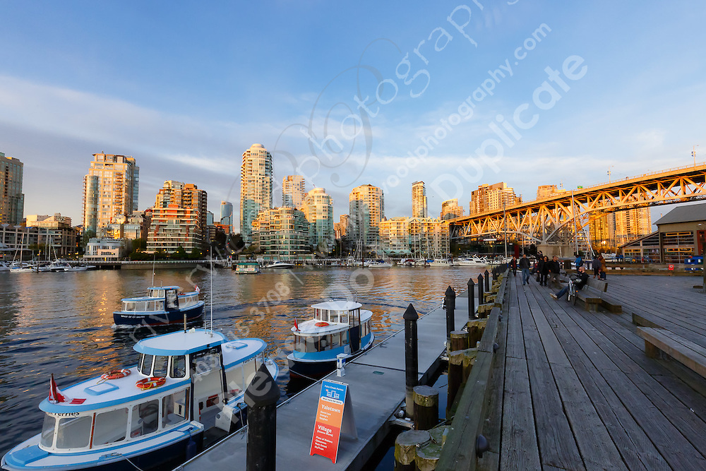 Hanging out at Granville Island in Vancouver with other photographers at  CPC 2016<br /> <br /> ©2016, Sean Phillips<br /> http://www.RiverwoodPhotography.com