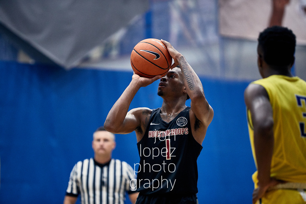 NORTH AUGUSTA, SC. SATURDAY JULY 15, 2017. Peach Jam. Javonte Smart #1 of Houston Hoops shoots free throw. NOTE TO USER: Mandatory Copyright Notice: Photo by Jon Lopez