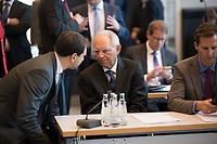 DEU, Deutschland, Germany, Berlin, 02.04.2019: Der Vize-Vorsitzende der Unionsfraktion, Andreas Jung (CDU), im Gespräch mit Bundestagspräsident Wolfgang Schäuble (CDU) vor Beginn der Fraktionssitzung der CDU/CSU.