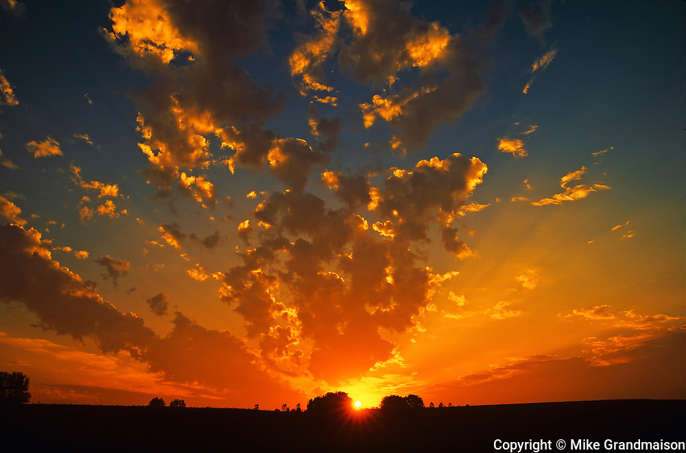 Blazing sunset<br /> Guelph<br /> Ontario<br /> Canada