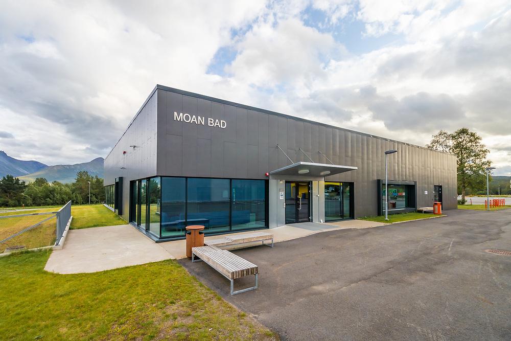 Moan bad er en svømmehall som ligger på Storsteinnes i Balsfjord kommune, Troms fylke.