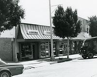 1977 Larchmont Liquor on Larchmont Blvd.