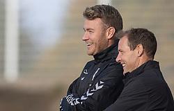 Cheftrænerne Morten Mølkjær (Kolding IF) og Morten Eskesen (FC Helsingør) under kampen i 1. Division mellem FC Helsingør og Kolding IF den 24. oktober 2020 på Helsingør Stadion (Foto: Claus Birch).