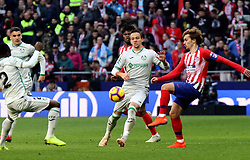 MADRID, Jan. 27, 2019  Atletico Madrid's Antoine Griezmann (1st R) competes during a Spanish league match between Atletico Madrid and Getafe in Madrid, Spain, on Jan. 26, 2019. Atletico Madrid won 2-0. (Credit Image: © Edward F. Peters/Xinhua via ZUMA Wire)