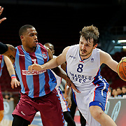Anadolu Efes's Birkan Batuk (R) and Trabzonspor's Dwight Hardy (L) during their Turkish Basketball League Play Off Semi Final round 1 match Anadolu Efes between Trabzonspor at Abdi Ipekci Arena in Istanbul Turkey on Friday 29 May 2015. Photo by Aykut AKICI/TURKPIX