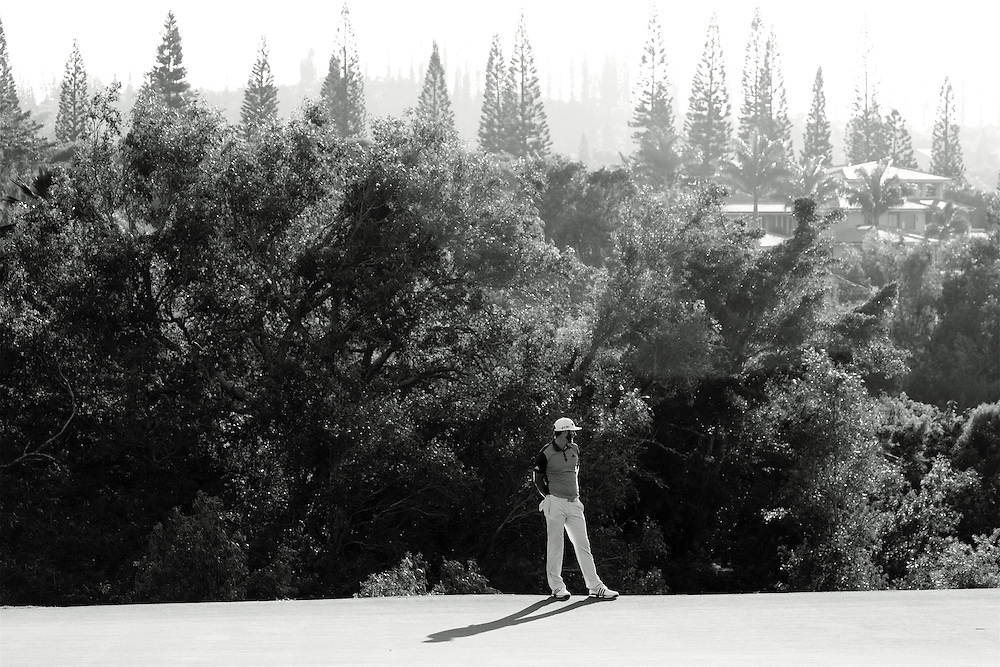 January 07 2016:  Dustin Johnson takes in the view during the First Round of the Hyundai Tournament of Champions at Kapalua Plantation Course on Maui, HI. (Photo by Aric Becker)