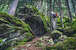 THEMENBILD - ein Boulderer im Ginzlinger Wald, Das Gebiet ist eines der ältersten und beliebtesten im Zillertal, aufgenommen am 24. August 2019 in den Zillertaler Alpen, Österreich // a boulderer in the Ginzlinger Wald, the area is one of the oldest and most popular in the Zillertal Austria on 2019/08/24. EXPA Pictures © 2019, PhotoCredit: EXPA/ Dominik Angerer