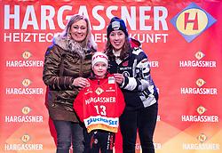 10.01.2020, Keelberloch Rennstrecke, Altenmark, AUT, FIS Weltcup Ski Alpin, Abfahrt, Damen, Startnummernauslosung, im Bild Renate Götschl, Kira Weidle (GER) // Renate Götschl Kira Weidle of Germany during draw of starting numbers for the women's Downhill of FIS ski alpine world cup at the Keelberloch Rennstrecke in Altenmark, Austria on 2020/01/10. EXPA Pictures © 2020, PhotoCredit: EXPA/ Johann Groder
