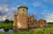 Exterior of Caerlaverock Castle, Dumfries Galloway, Scotland, Visit our SCOTLAND HISTORIC PLACXES PHOTO COLLECTIONS for more photos to download or buy as wall art prints https://funkystock.photoshelter.com/gallery-collection/Images-of-Scotland-Scotish-Historic-Places-Pictures-Photos/C0000eJg00xiv_iQ<br /> '<br /> Visit our MEDIEVAL PHOTO COLLECTIONS for more   photos  to download or buy as prints https://funkystock.photoshelter.com/gallery-collection/Medieval-Middle-Ages-Historic-Places-Arcaeological-Sites-Pictures-Images-of/C0000B5ZA54_WD0s