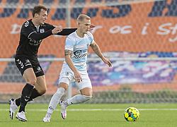 Philip Rejnhold (FC Helsingør) følges af Adam Jakobsen (Kolding IF) under kampen i 1. Division mellem FC Helsingør og Kolding IF den 24. oktober 2020 på Helsingør Stadion (Foto: Claus Birch).
