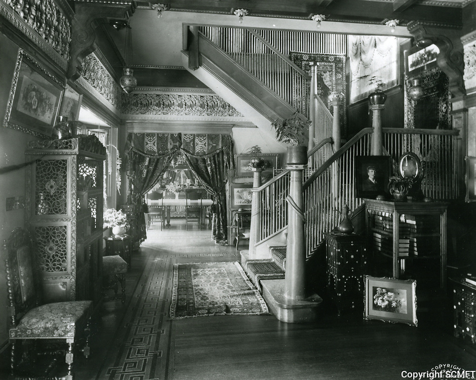 1905 Interior of Paul DeLongpre's residence