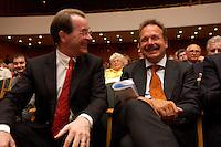 15 JUL 2004, BERLIN/GERMANY:<br /> Franz Muentefering (L), SPD Parteivorsitzender, Frank Bsirske (R), ver.di Vorsitzender,  lachen miteinander, waehrend einem Festakt zum 100. Geburtstag von Karl Richter, langjähriges aktives Mitglied von Partei und Gewerkschaft, Rathaus Reinickendorf<br /> IMAGE: 20040715-01-026<br /> KEYWORDS: Franz Müntefering, Feier, freundlich, lacht