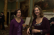 Vivienne Mckelvey and Vanessa Villies. The Spencer House draw in aid of the Countryside Alliance. 28 November 2000. © Copyright Photograph by Dafydd Jones 66 Stockwell Park Rd. London SW9 0DA Tel 020 7733 0108 www.dafjones.com