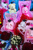 Thai Graduation Ceremony Gifts - you might imagine that university students might prefer commemorative gifts and garlands more in keeping with their age group, not cuddly cupie bears.
