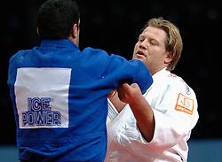 28-05-2006 JUDO: EUROPEES KAMPIOENSCHAP: TAMPERE FINLAND<br /> Blessureleed hield Dennis van der Geest lange tijd aan de kant. Na winst in zijn eerste ronde partij tegen Rybak (BLR) was het Wojnarowicz (POL) die een vervolg in de weg stond. Khanjaliashvili (GEO) wist echter al in de eerste parij in de herkansingsronde van het Nederlandse zwaargewicht te winnen.<br /> ©2006-WWW.FOTOHOOGENDOORN.NL