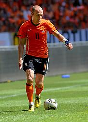 05-06-2010 VOETBAL: NEDERLAND - HONGARIJE: AMSTERDAM<br /> Nederland wint met 6-1 van Hongarije / Arjen Robben <br /> ©2010-WWW.FOTOHOOGENDOORN.NL