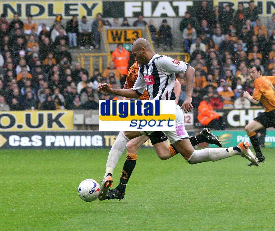 Photo: Mark Stephenson.<br /> Wolverhampton Wanderers v West Bromwich Albion. Coca Cola Championship. Play off Semi Final, 1st Leg. 13/05/2007.West Brom's Diomansy Kamara on his way to his winning goal