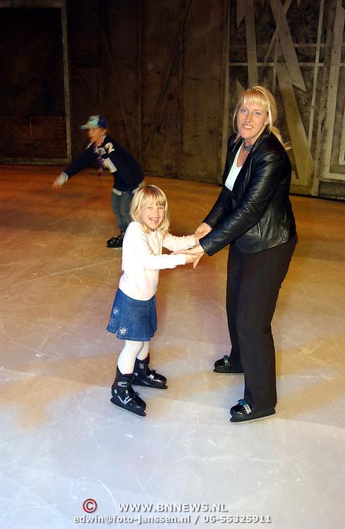 Premiere Holiday on Ice 2004, Diana en Anneke Janssen