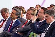 Koning Willem-Alexander opent een nieuwe insectenkwekerij van Protix in Bergen op Zoom. <br /> <br /> Op de foto: Koning Willem Alexander