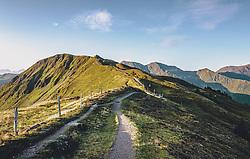 THEMENBILD - Wanderweg vom Stemmkogel Richtung Hacklbergseen, aufgenommen am 31. August 2019, Hinterglemm, Österreich // Hiking trail from Stemmkogel towards Hacklberg lakes on 2019/08/31, Hinterglemm, Austria. EXPA Pictures © 2019, PhotoCredit: EXPA/ Stefanie Oberhauser