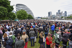 June 5, 2017 - London, UK - London, UK. Large crowds gather in front of City Hall for a minute's silence and a vigil to remember the victims of the terrorist attack on London Bridge where seven people lost their lives.  Mayor of London, Sadiq Khan, gave a speech supported by religious leaders of different faiths. (Credit Image: © Stephen Chung/London News Pictures via ZUMA Wire)