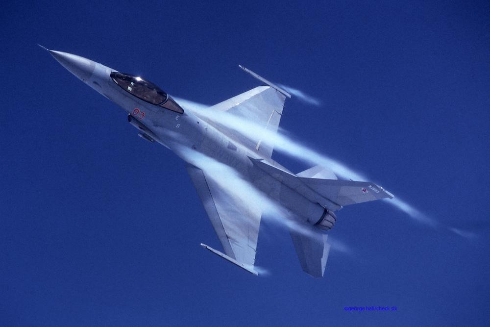 F-16N Naval Falcon pulls Gs
