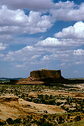 UT: Utah; Arches National Park, scenic view             .Photo Copyright: Lee Foster, lee@fostertravel.com, www.fostertravel.com, (510) 549-2202.Image: utarch221