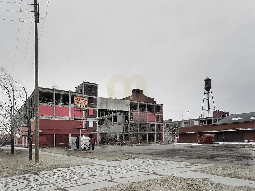 Detroit, U.S, Michigan, 2019:  Part of buildings of the old  Great Packard Plant -Complex- on Concorde Ave, Detroit, Michigan, United States. Signed and editioned prints available at 50x40cm. Get and touch, for commercial uses or other sizes.. Photographs by Alejandro Sala   Visit Shop Images to purchase and download a digital file and explore other Alejandro-Sala images…