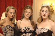 English girls, Sarah Taylor, Cleo Pakenham and Violet Naylor-Leyland. Eleventh Crillon Haute Couture Ball, Crillon. Paris.   31 November 2001 © Copyright Photograph by Dafydd Jones 66 Stockwell Park Rd. London SW9 0DA Tel 020 7733 0108 www.dafjones.com