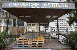 THEMENBILD - Chemische Institute Innsbruck, der Eingang der ehemaligen Chemischischen Instituten der Leopold-Franzens-Universität Innsbruck, welche seit einem Unfall mit radioaktiver Strahlung gesperrt sind, aufgenommen am 20.10.2015 in Innsbruck, Österreich // the former chemical institute of the Leopold-Franzens University, blocked since a accident involving radioactivity, in Innsbruck, Austria on 2015/10/20. EXPA Pictures © 2015, PhotoCredit: EXPA/ Jakob Gruber