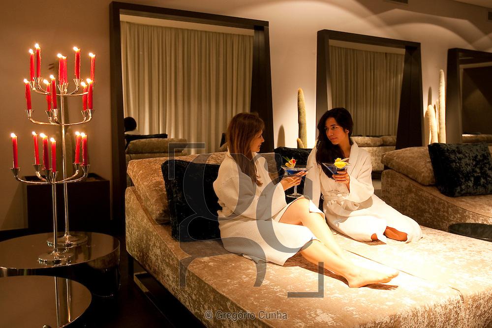 Hotel CS Madeira, Ilha da Madeira, Portugal, Madeira Island Hotel CS Madeira, Swimming Pool, Ocean, SPA,Balcony,exterior view, gardens, quarto, sauna, corridor, water cascade, cactus, hotel bar