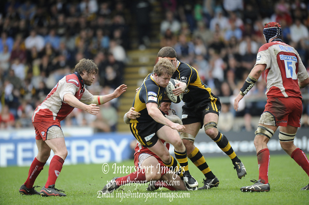 Wycombe, GREAT BRITAIN, Wasps', Tom REES, drives on with the ball,  during the Guinness Premiership game, London Wasps vs Gloucester Rugby, Sun. 04.05.2008 [Mandatory Credit Peter Spurrier/Intersport Images]