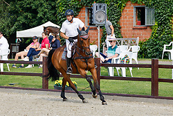 08, Youngster-Springprfg. Kl. M* 6-8j. Pferde,, Ehlersdorf, Reitanlage Jörg Naeve, 15. - 18.07.2021, Jörg Naeve (GER), Carlito H,