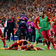 Galatasaray's Wesley Sneijder (C) celebrate his goal with team mate during their Turkish Super League derby match Galatasaray between Besiktas at the AliSamiYen Spor Kompleksi TT Arena at Seyrantepe in Istanbul Turkey on Sunday, 24 May 2015. Photo by Aykut AKICI/TURKPIX