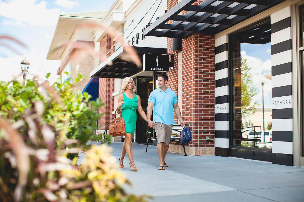 2013 July 18 - Lifestyle imagery for the Village Pointe shopping district in West Omaha.