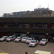 NLD/Huizen/20050910 - Huizerdag 2005, open dag brandweer, binnenterrein en gebouw politieburo Huizen