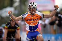 CYCLING - UCI - MILAN-SAN REMO 2010 - SAN REMO (ITA) - 20/03/2010 - PHOTO : NICO VEREECKEN / PHOTO NEWS / DPPI<br /> FINISH LINE - OSCAR FREIRE GOMEZ (ESP) / RABOBANK - WINNER