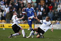 Photo: Pete Lorence.<br />Derby County v Cardiff City. Coca Cola Championship. 17/03/2007.<br />The Derby defense in action again Stephen McPhail (C)