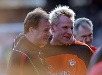 Southampton Goalkeepr Antti Niemi recives congratulations at the final whistle afterhis shot had set up his teams last minute equaliser. Fulham v Southampton, FA Premiership, 15/03/2003. Credit: Colorsport / Matthew Impey DIGITAL FILE ONLY