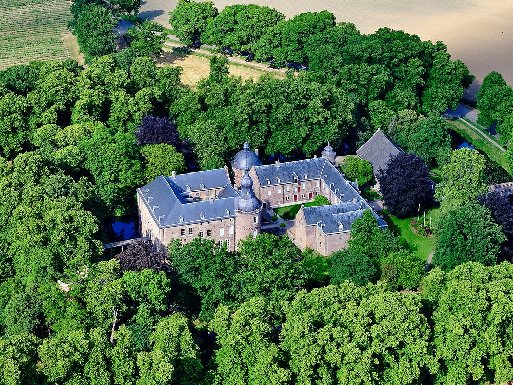 Nederland, Limburg, Gemeente Well; 27-05-2020; Gerestaureerd kasteel uit de Middeleeuwen. In gebruik bij Emerson College (particuliere universiteit uit USA).<br /> Restored castle from the Middle Ages. In use at Emerson College (private university from USA).<br /> <br /> luchtfoto (toeslag op standard tarieven);<br /> aerial photo (additional fee required)<br /> copyright © 2020 foto/photo Siebe Swart