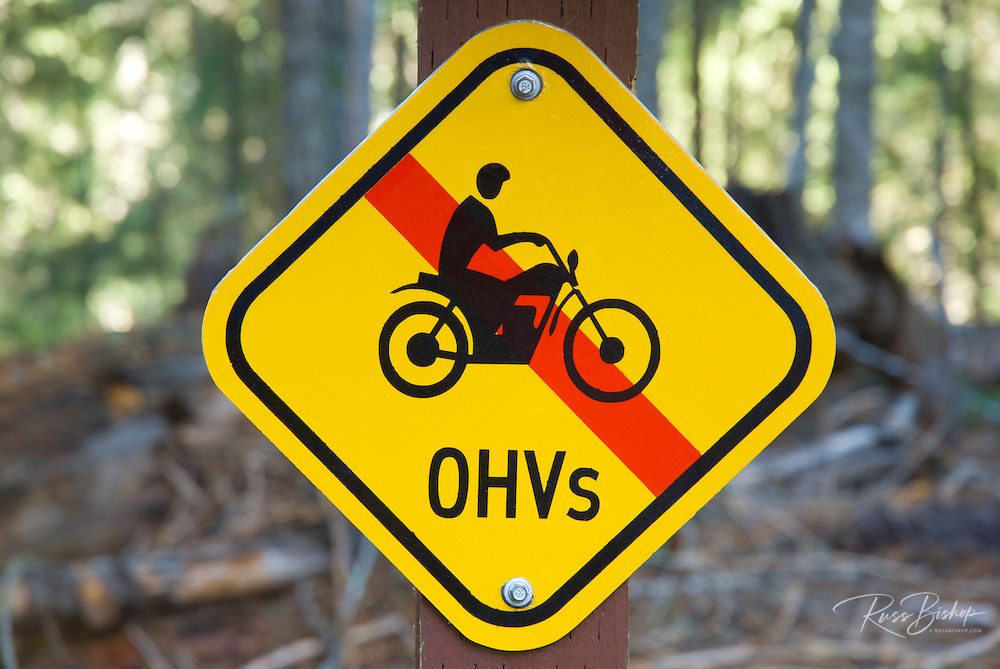 No off-road vehicles sign, Rogue River National Forest, Oregon USA