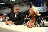 27 OCT 2007, HAMBURG/GERMANY:<br /> Kurt Beck, SPD Parteivorsitzender und seine Ehefau Roswitha Beck, SPD Bundesparteitag, CCH<br /> IMAGE: 20071027-01-177<br /> KEYWORDS: wife