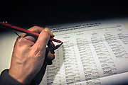 Nederland, Ubbergen, 3-3-2010Verkiezingen, in het stemhokje. Gemeenteraadsverkiezingen.Netherlands, elections.Foto: Flip Franssen/Hollandse Hoogte