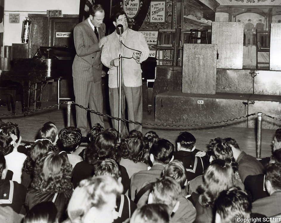 1944 Abbott and Costello entertain at the Hollywood Canteen