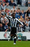 Fotball<br /> Treningskamper England<br /> 31.07.2004<br /> Foto: SBI/Digitalsport<br /> NORWAY ONLY<br /> <br /> Newcastle United v Glasgow Rangers<br /> <br /> Newcastle's Olivier Bernard after scoring a spectacular long range goal.
