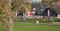 LOCHEM - Clubhuis met terras. Herfst op de Lochemse Golfclub, De Graafschap. COPYRIGHT KOEN SUYK
