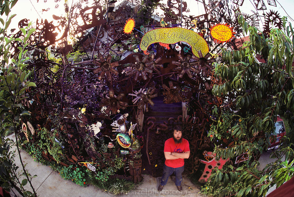 Artist Mark Bulwinkle at his home in Oakland, California, USA.  MODEL RELEASED. USA.